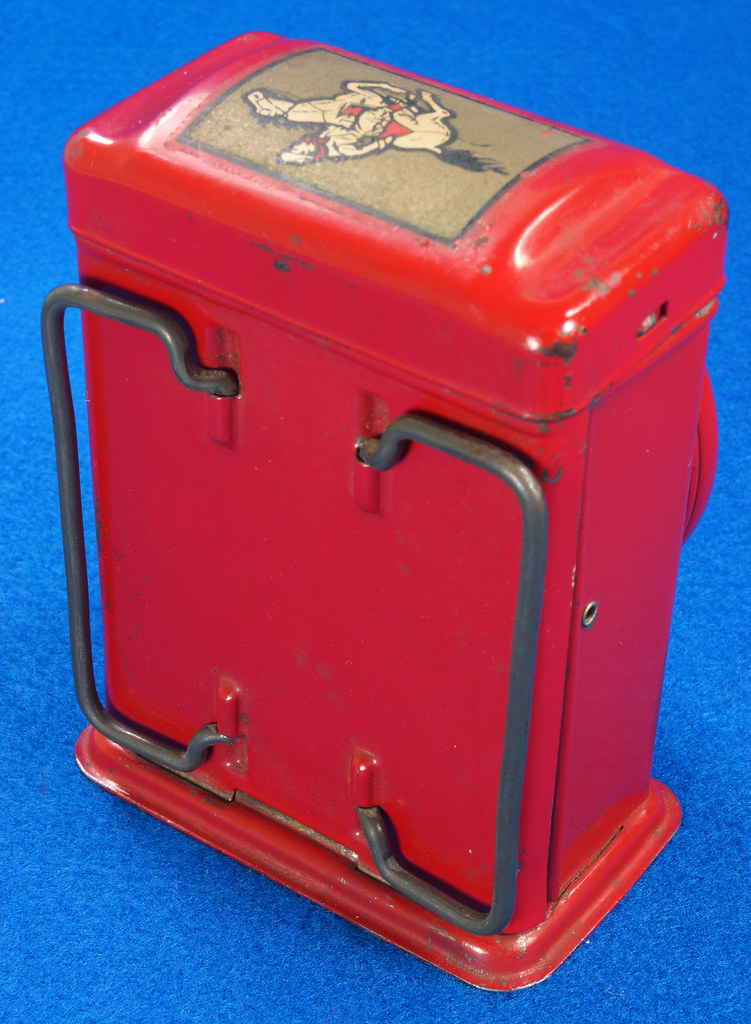 RD28417 Vintage 1933 Niagara 2 Cell Red Trail Blazer Mini Lantern Horse Rider Decal DSC02394
