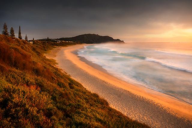 Beach Sunrise Feels || BOOMERANG BEACH || NSW