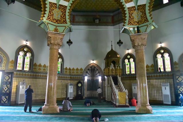 Indonesia. Sumatra del Norte. Medan. Gran Mezquita Al-Mashun. Sala de la oración. Interior