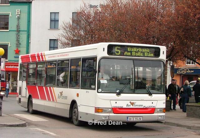 Bus Eireann DPC18 (00D91438).