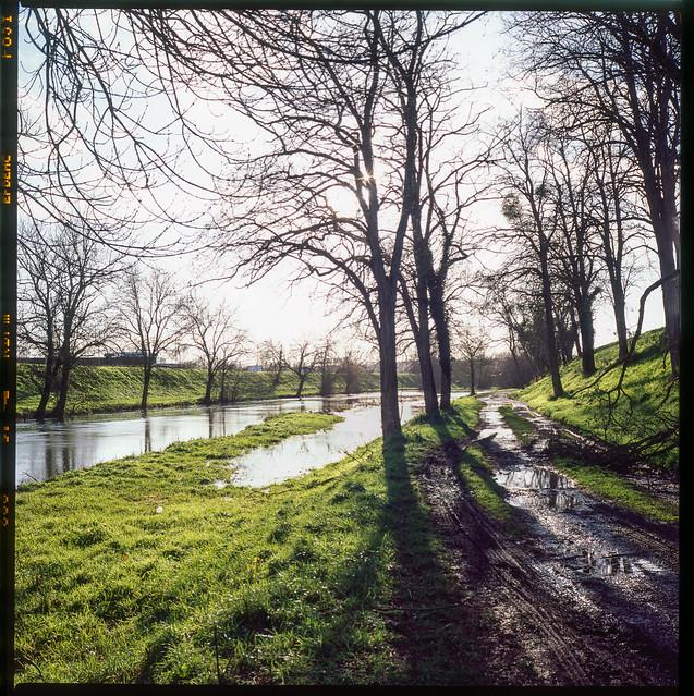 Le canal de dérivation de la rivière Nièvre