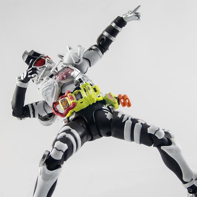 S.H.Figuarts《假面騎士 EX-AID》假面騎士Genm 喪屍躍動玩家Level X-0(仮面ライダーゲンム ゾンビアクションゲーマーレベルX-0)【魂商店】