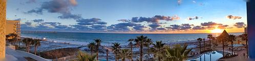 fisherbray usa unitedstates florida okaloosacounty fortwaltonbeach ftwaltonbeach fwb emeraldcoast google pixel4 sunset gulfofmexico beach sky okaloosaisland panorama holidayinn resort hotel