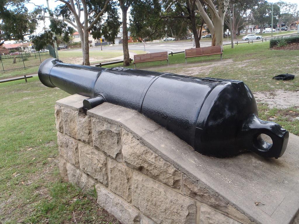 "42-pdr 84 cwt 10' 0"" Iron Gun"