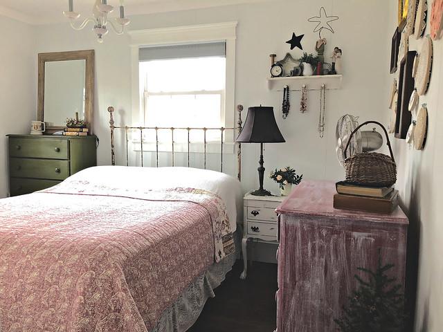 tiny farmhouse master bedroom