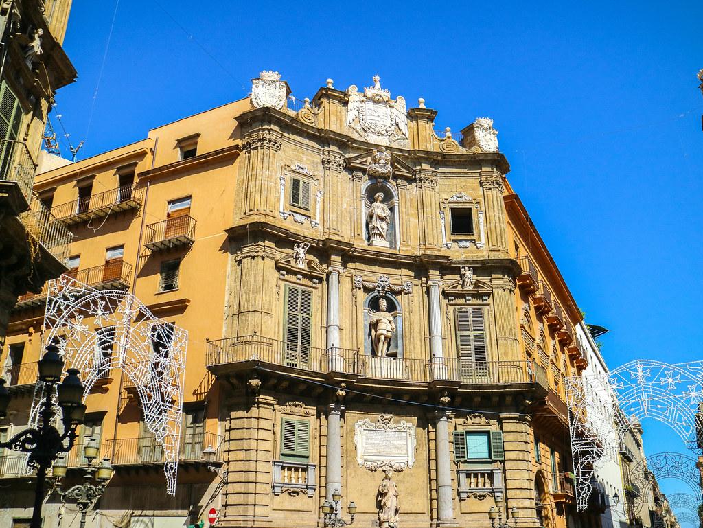 Una de las fachadas de Quattro Canti en Palermo