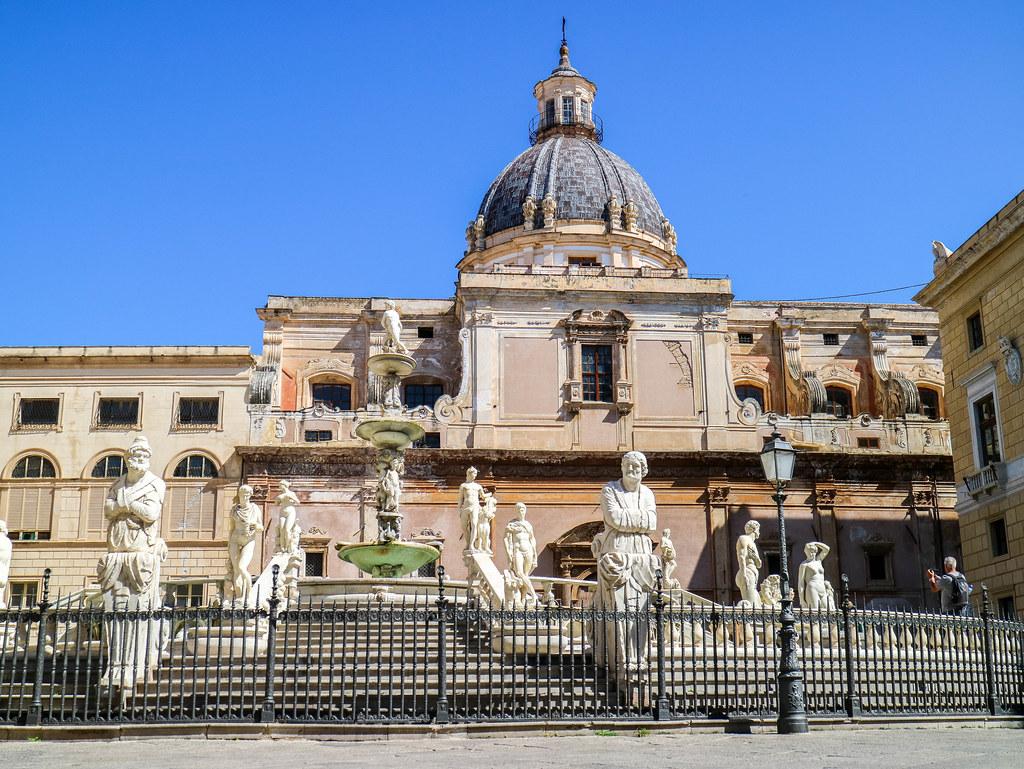 La Piazza Pretoria es uno de los lugares que ver en Palermo
