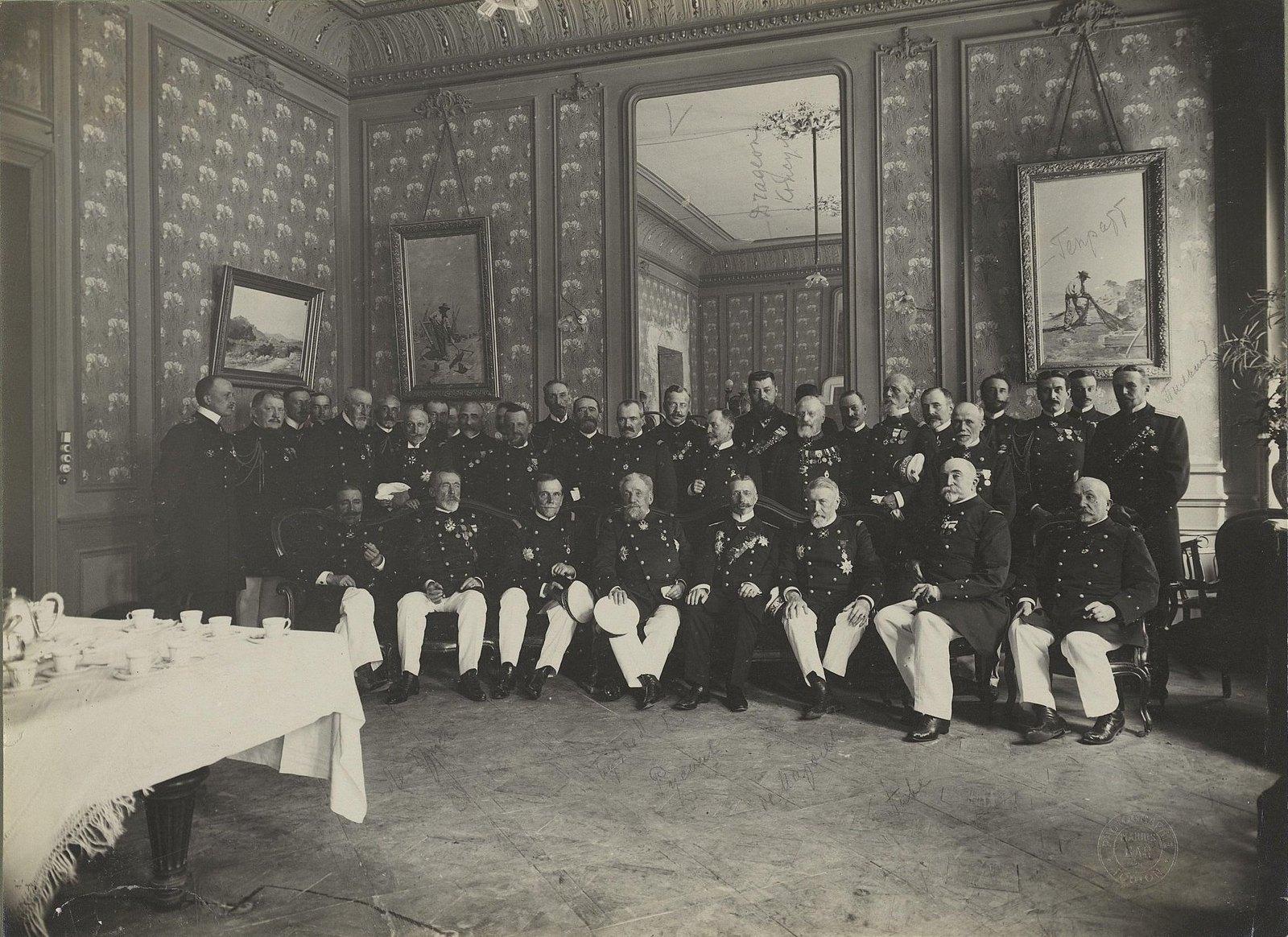 18. Морские офицеры. Bar Marius. 1901-1902 гг.