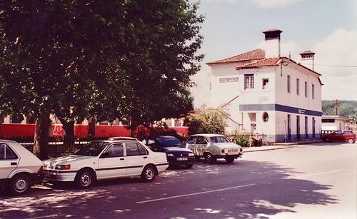 portugal train allan cp railcar broadgauge vialarga linhadalousã serpins iberiangauge railway ramaldalousã bitolaibérica