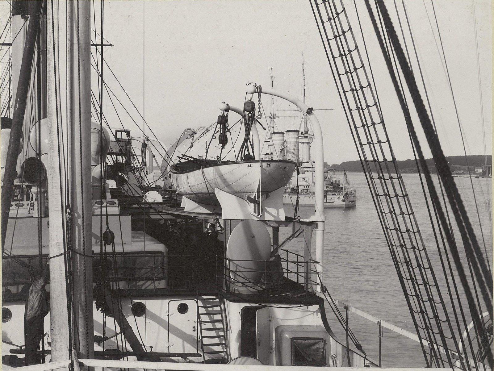 19. Вид части корабля. 1901-1902 гг.