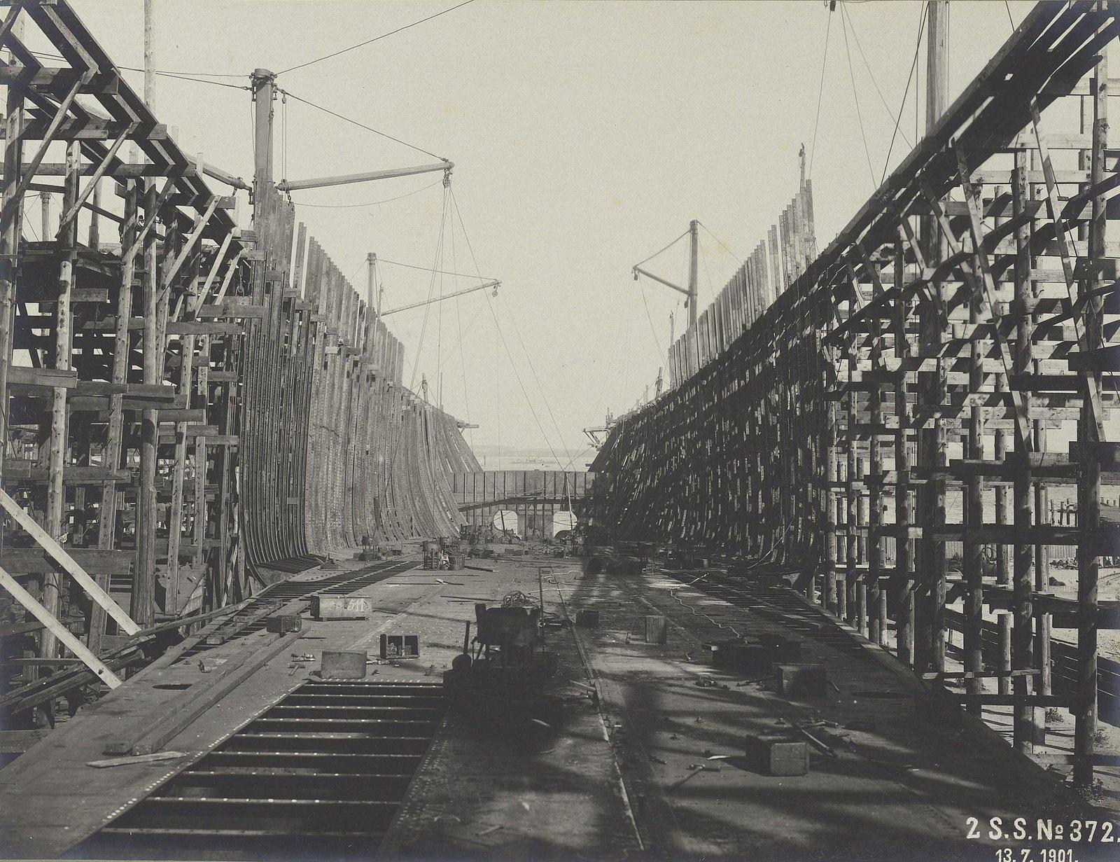 14. Строительство учебного судна «Океан». 13 июля 1901 г.
