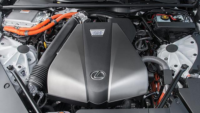 2021-Lexus-LC-500h-017