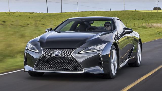 2021-Lexus-LC-500h-011