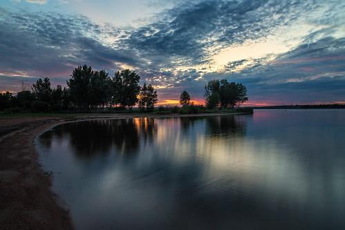 sunrise dawn daybreak morning landscape clouds lake beach reflections chatfieldstatepark colorado longexposure