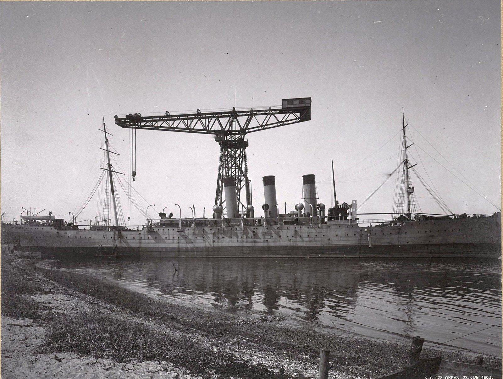 33. Учебное судно «Океан» в порту. 23 июня 1902 г.