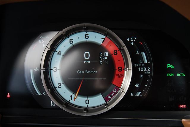 2021-Lexus-LC-040