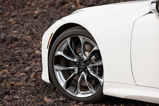 2021-Lexus-LC-026