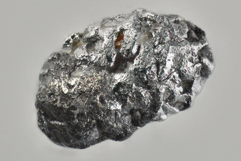 トロフカ鉱 / Tolovkite