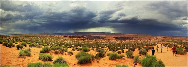Visiting the Horseshoe Bend - Panorama - Page, Utah