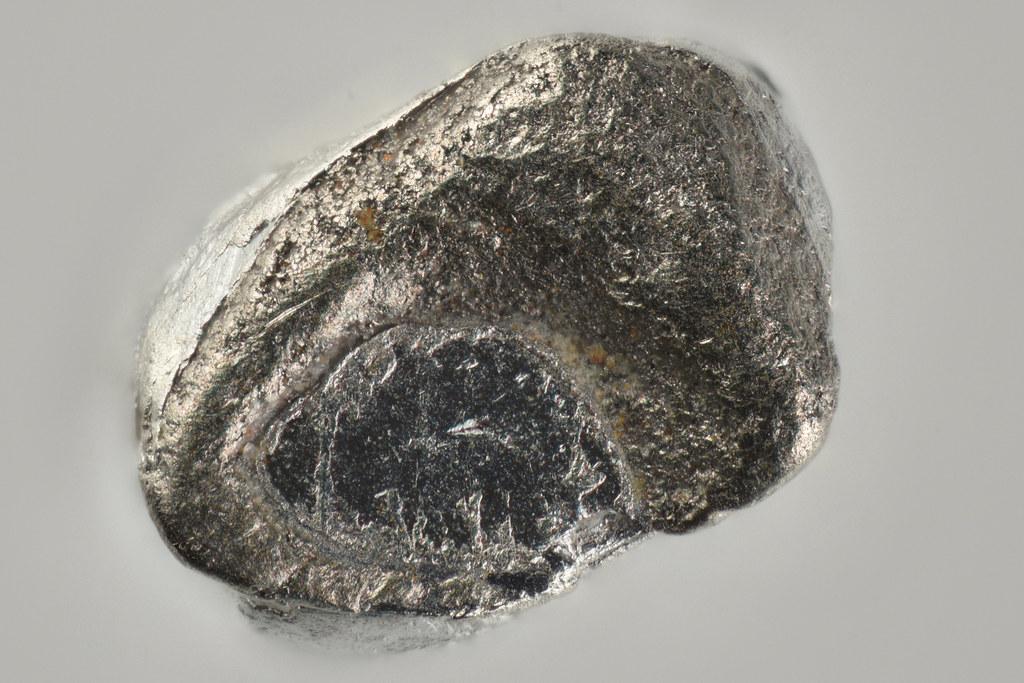 フェロニッケルプラチナ鉱 / Ferronickelplatinum