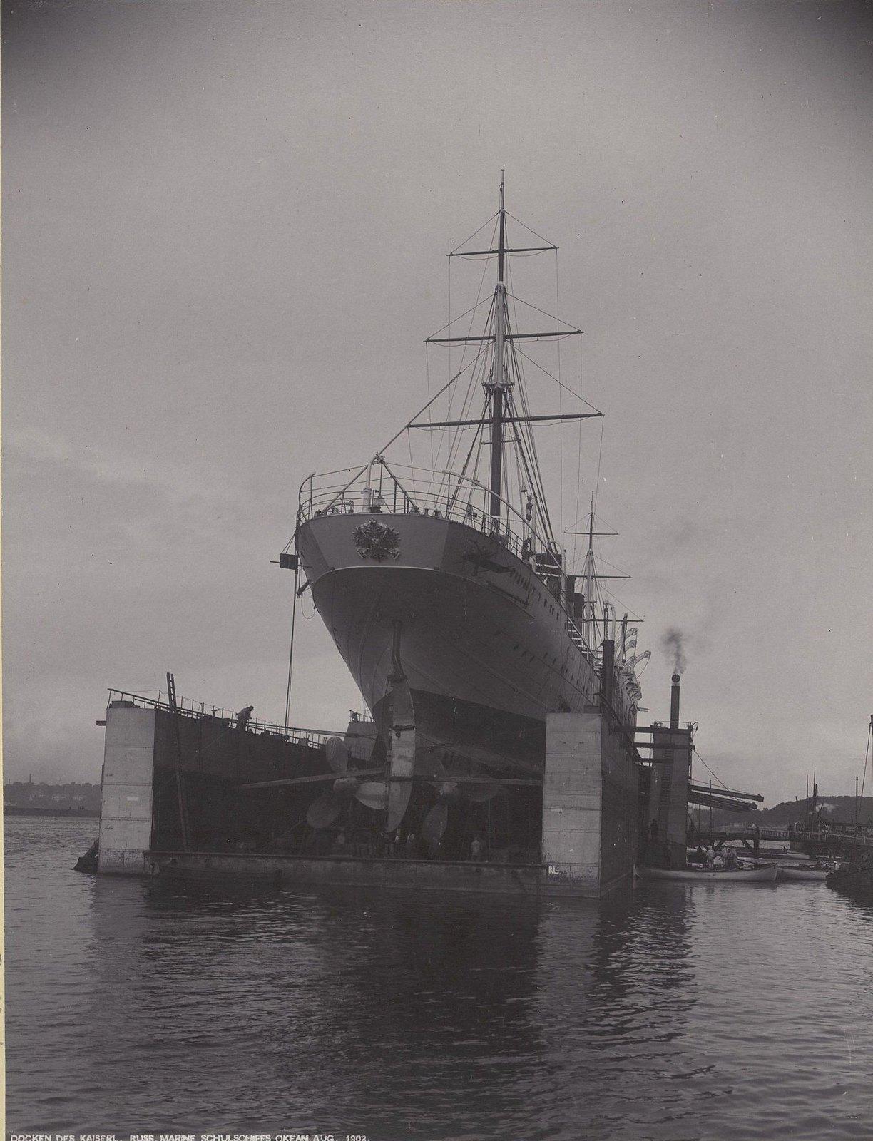 29. Учебное судно «Океан» в порту. Август 1902 г.