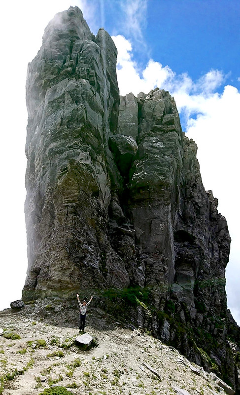 Taosai Peak 陶塞峰, 3,450 m (11,319 ft). Photo by Acer Lee.
