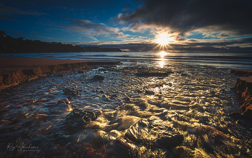 torbay southdevon nikon light sunrise sea water sky nikkor kasefiltersuk kasefilters clouds seascape blue rocks nature dawn rtaphotography uk coast coastalphotography outdoorphotography cielo