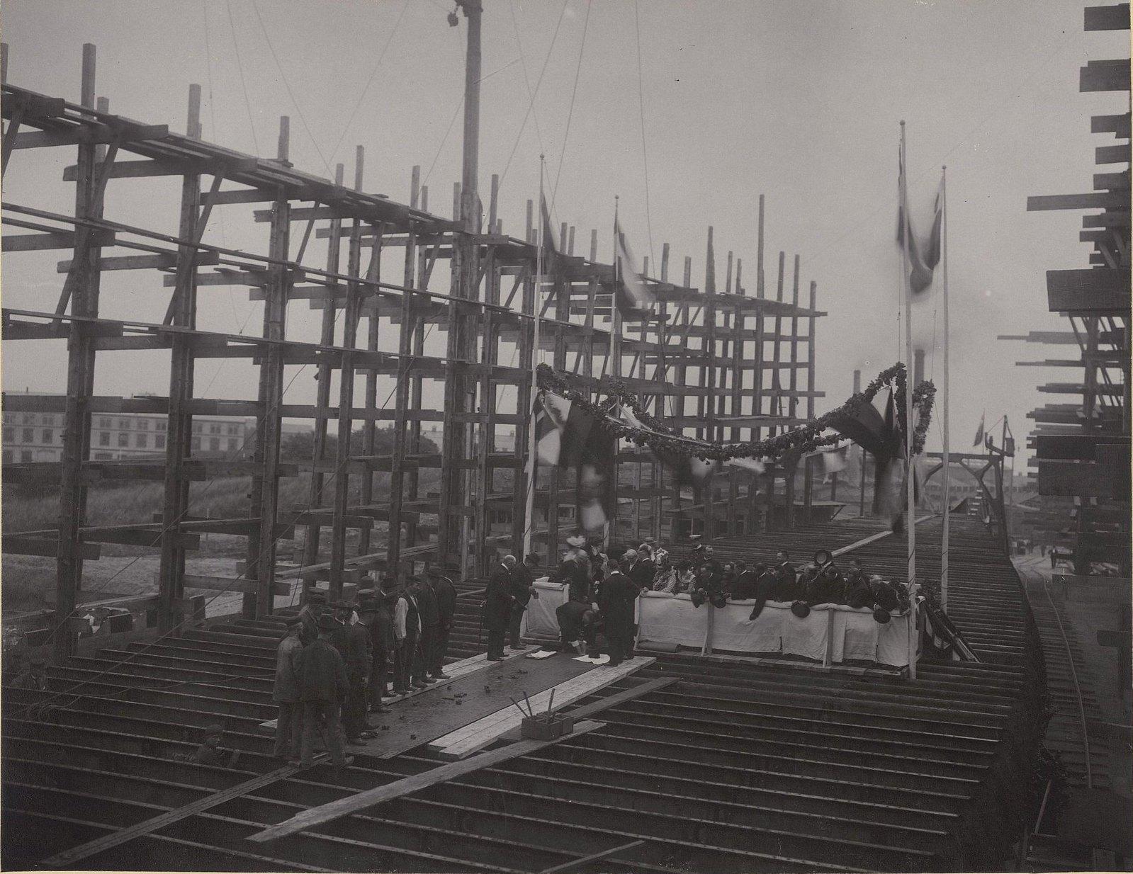 28. Закладка строительства судна «Океан» на машино-судостроительном заводе Говальдтсверке в Киле. 28 мая 1901 г.