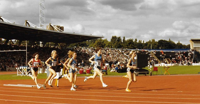 Lorraine Baker (No.24), Kirsty Wade (No.6) and Christina Boxer (No.2) in the 1500 Metres