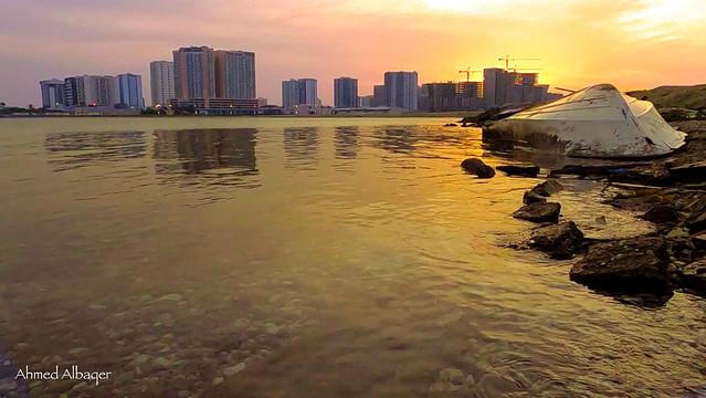 Amwaj island sea ( Bahrain ) شاطئ جزر أمواج في أول الصباح