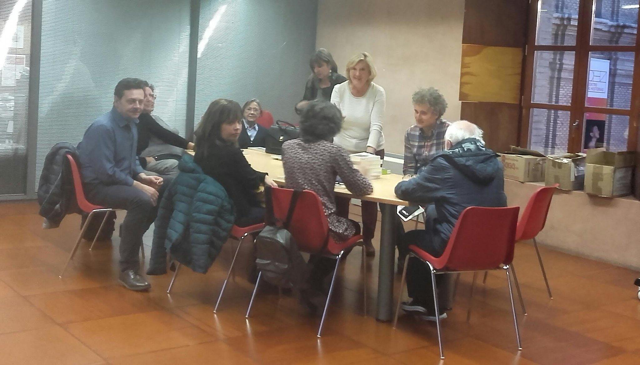 Club de lectura de la biblioteca María Moliner. Fotografía: Myriam Guimbao.