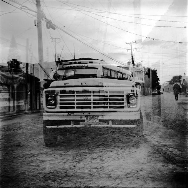Tipper Bus
