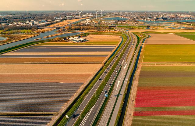 N242 meandering throught the city of Heerhugowaard.