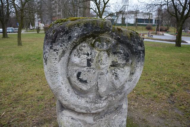 Rzeźba plenerowa nr 2 - Oś. Tysiąclecia