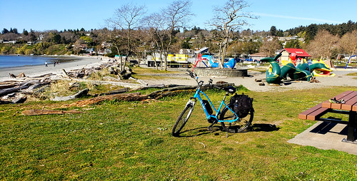 pedelec electricassist ebike delsol mcanally queenswood tudor baines telegraphbay panorama samsungsmn960w note9 google photos cadborobay gyropark saanich bicycle galaxy samsung shimano arbutus beach ocean seaside yaught boats park bioswale sand surf e6100 10mile tenmilepoint whiterock whiterockstreet killarney mttolmie tolmie mayfairdrive summit mountain climb views hobbs tree royalvictoriayachtclub marina yachts sailing universityofvictoria uvic telegraphcove smugglerscove cove letsgobiking