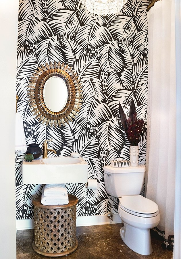 Black White Palm Print Wallpaper | Small Bathroom Inspiration | How to Decorate a Small Bathroom