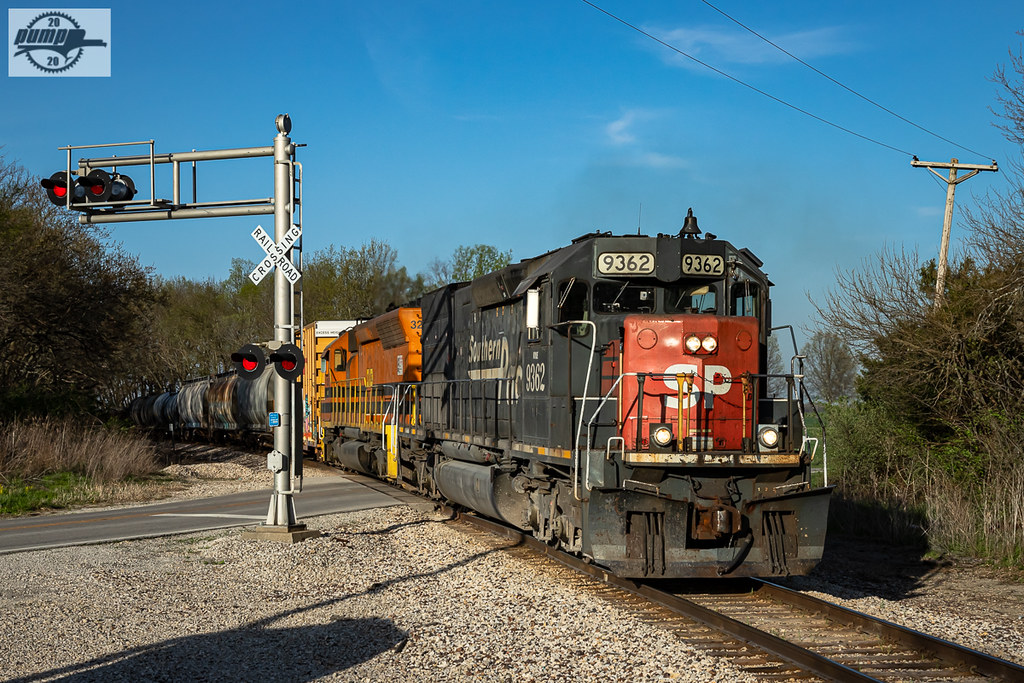 Southbound MNA Manifest Train at Ore, MO