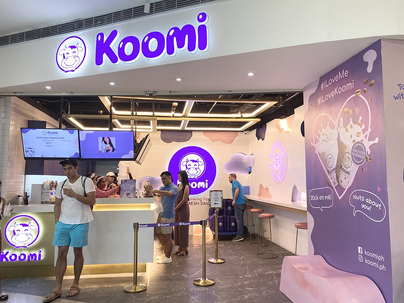Koomi, Podium