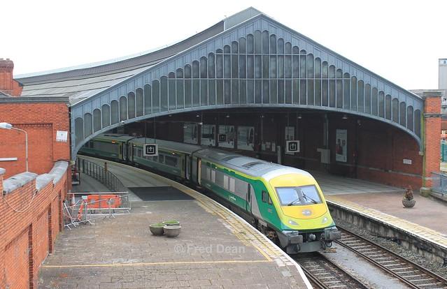 Irish Rail 4002 in Kent Station.