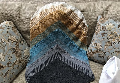 Connie (knitnut246)'s Fading Point by Joji Locatelli WIP. Love her colours!
