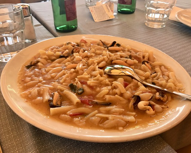 Pasta Fagioli variant with mussels