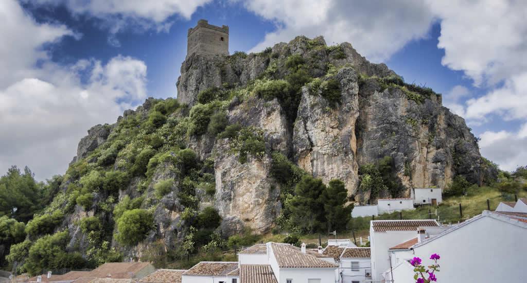 Dagtrips vanuit Sevilla: Zahara de la Sierra | Mooistestedentrips.nl