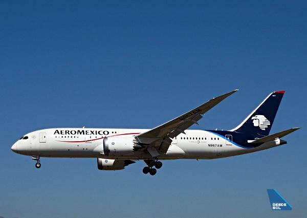 Aeroméxico B787-8 app SCL (RD)