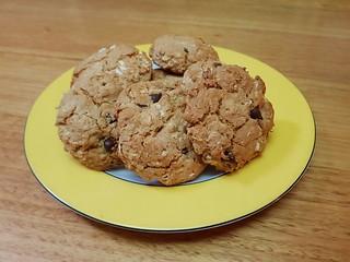 Cashew Chocolate Chip Oatmeal Cookies