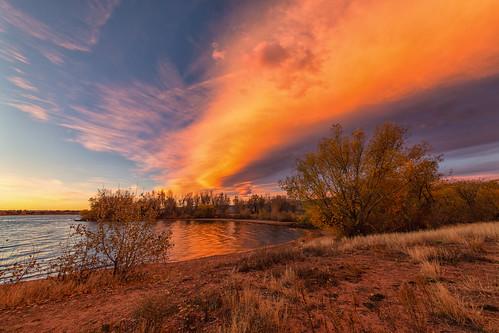 sunrise dawn daybreak morning landscape clouds lake reflections chatfieldstatepark colorado