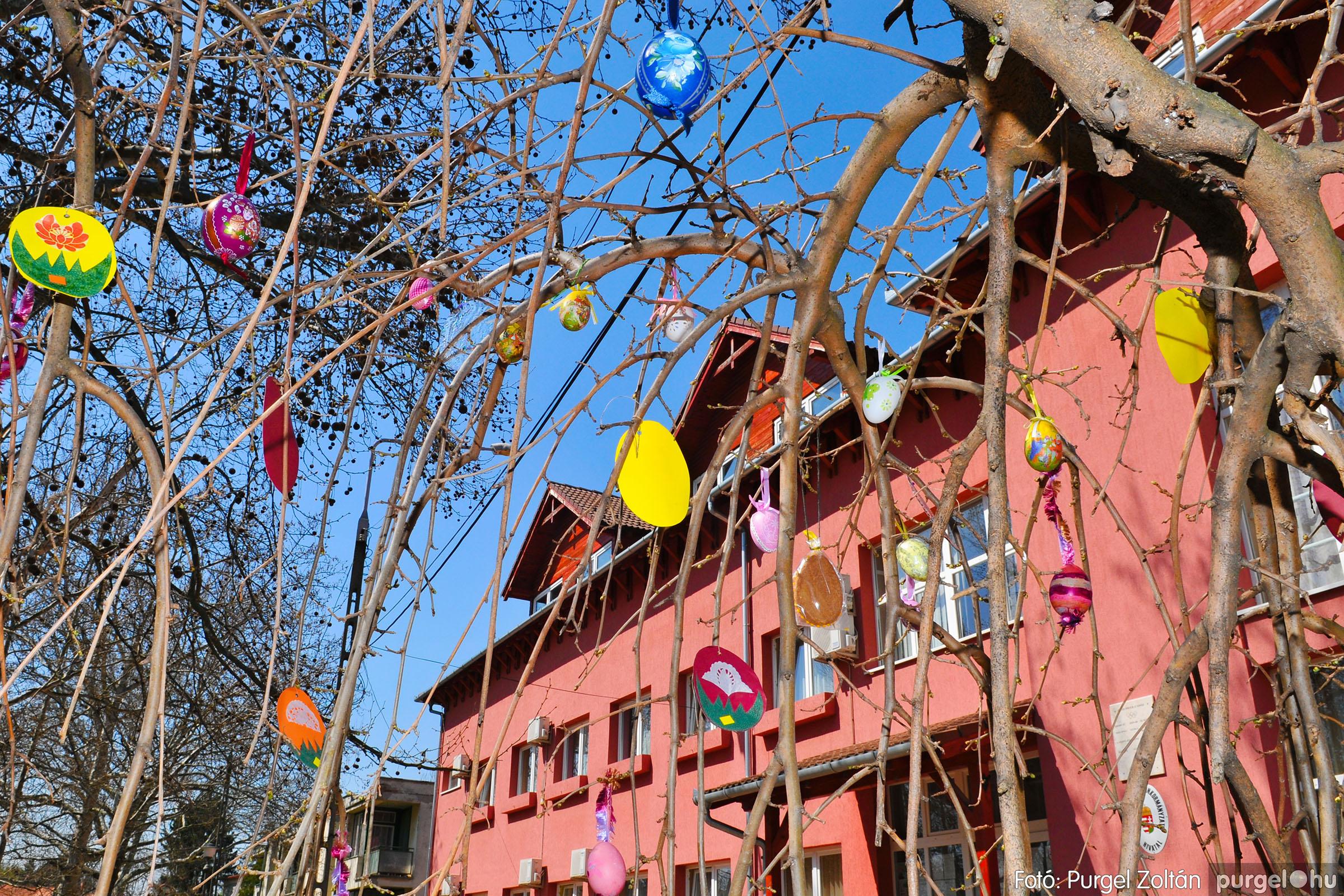 2020.04.09. 004 Tojásfák a Polgármesteri Hivatal előtt - Fotó:PURGEL ZOLTÁN© D3K_6702qw.jpg