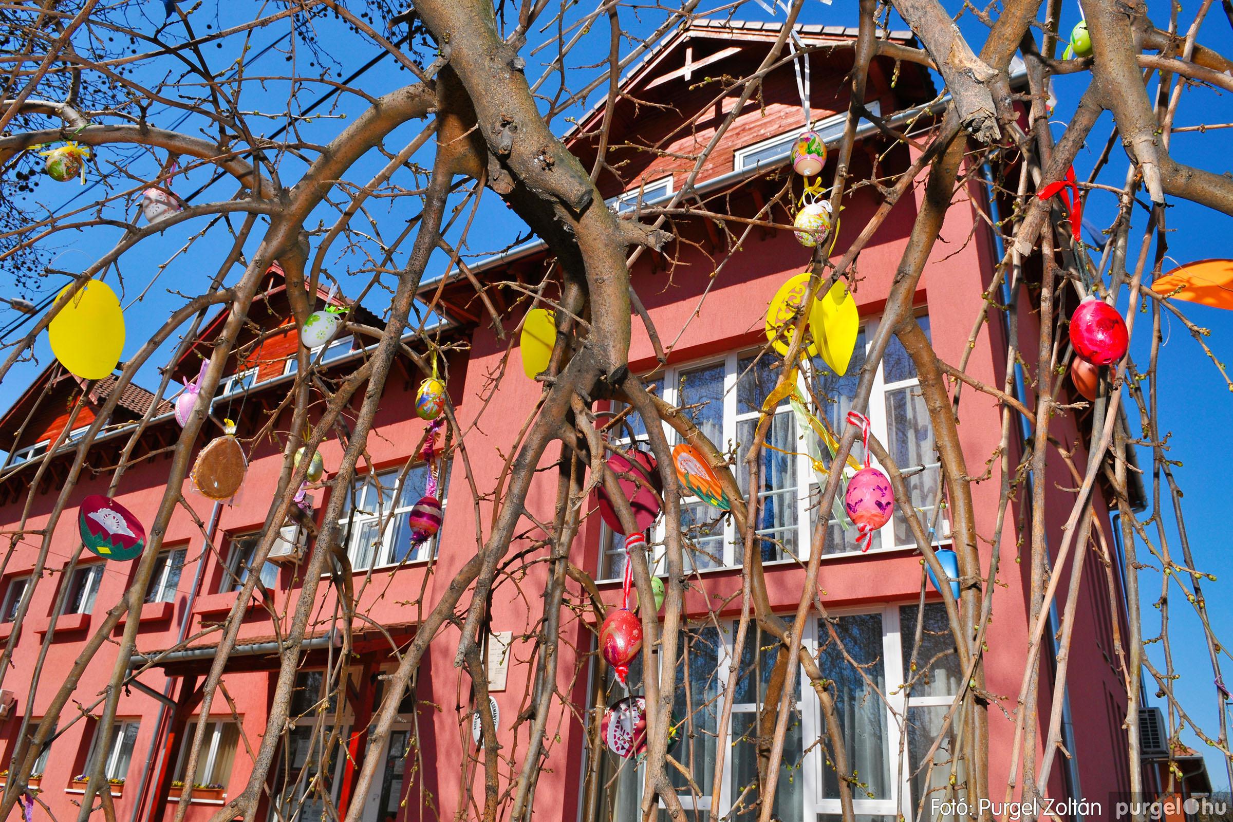 2020.04.09. 005 Tojásfák a Polgármesteri Hivatal előtt - Fotó:PURGEL ZOLTÁN© D3K_6703q.jpg