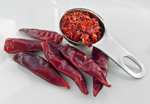 Hoeveel gedroogde chilipepers in een eetlepel chilivlokken