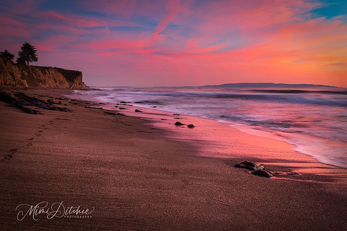 sunset shellbeach seascape clouds sand beach pastel pastelsunset getty gettyimages mimiditchie mimiditchiephotography reflections waves