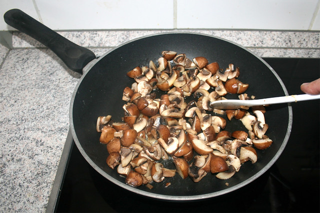 21 - Pilze andünsten / Braise mushrooms